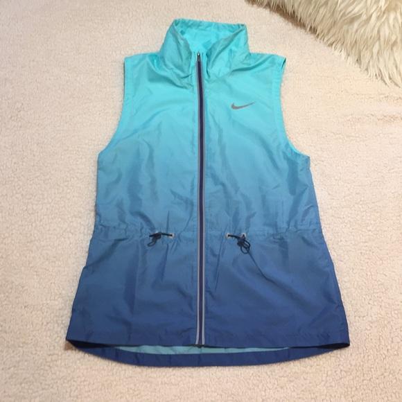 Women's Running Jackets & Vests.